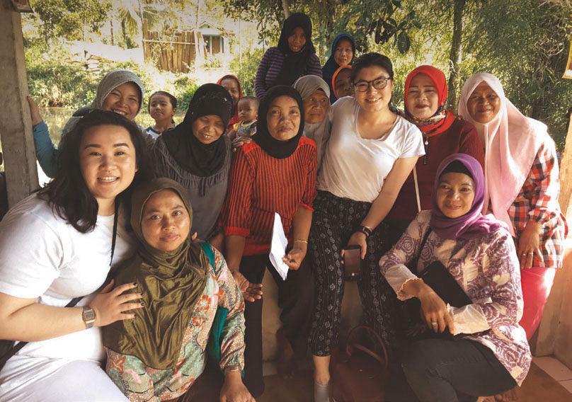 Fourth-year undergraduate students visit Indonesia.