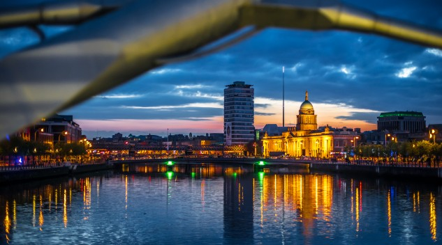 The Custom House at Sunset in Dublin, Ireland. By Giuseppe Milo: https://www.flickr.com/photos/giuseppemilo/